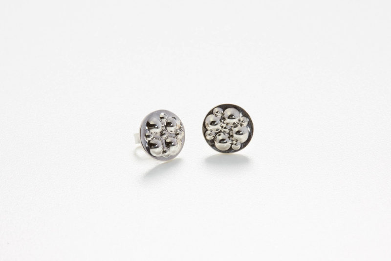 Earstuds in polished silver